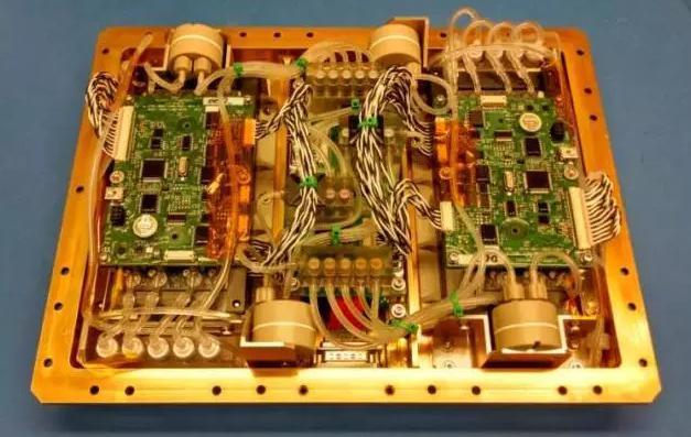 推进微流控生物学实验用小型卫星电子学发展